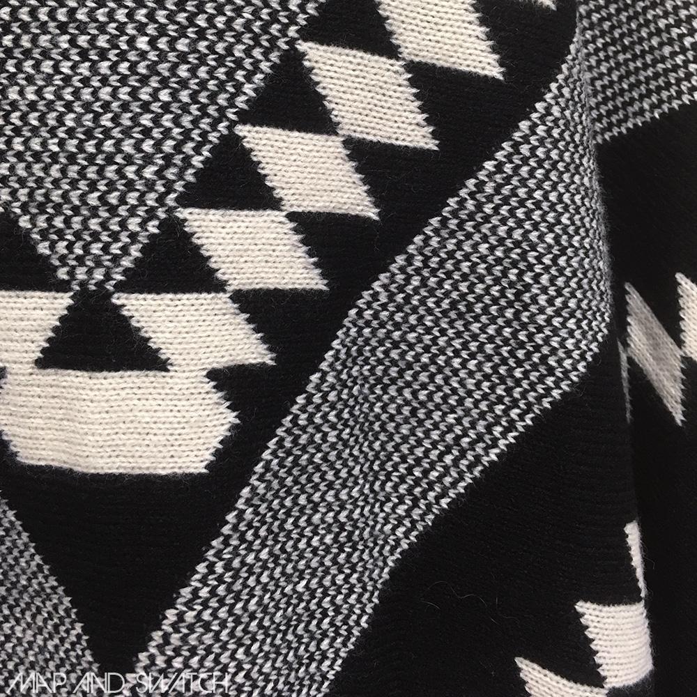 Monotone & Nativepattern Poncho
